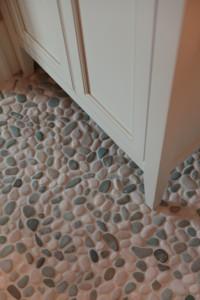 Bell web pebble tile 138